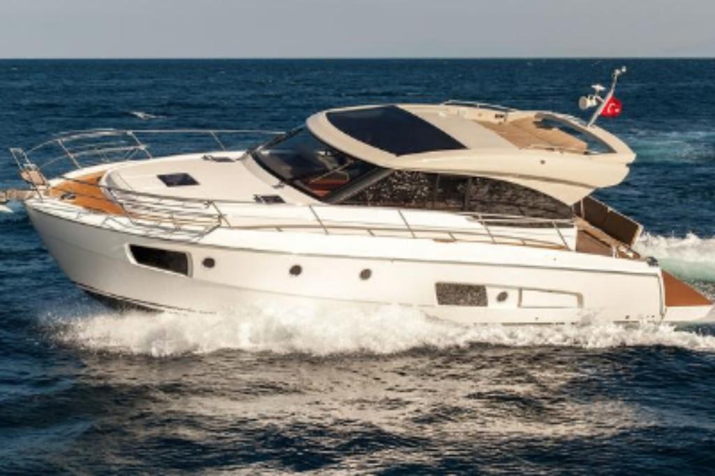 book a boat tour dubai