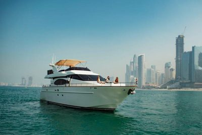 yacht rides in dubai